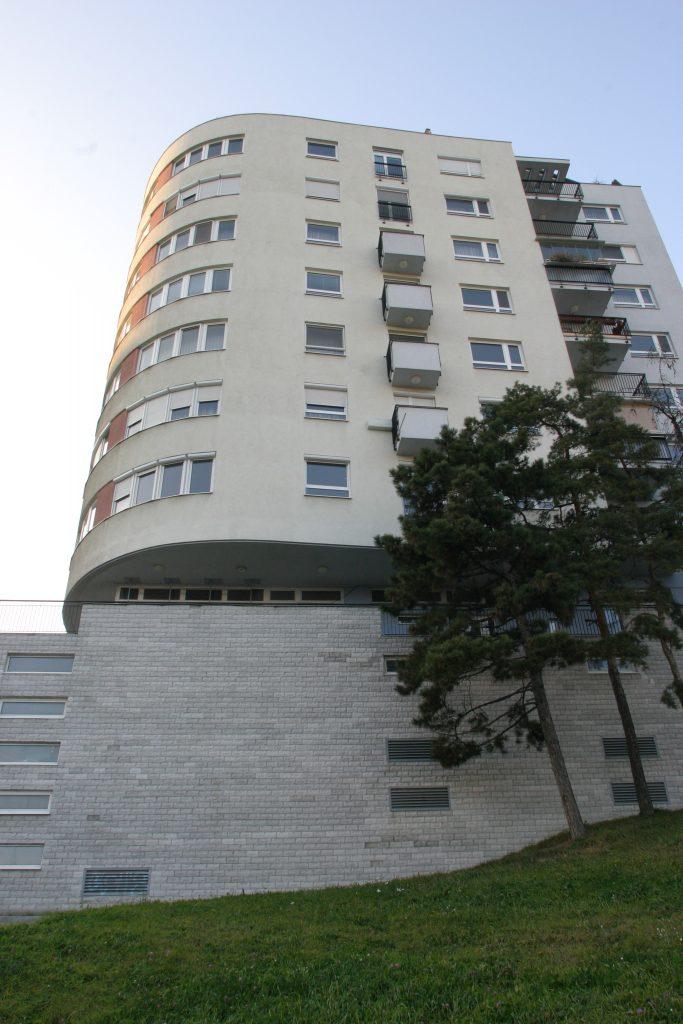 Bytový dom nad lúčkami